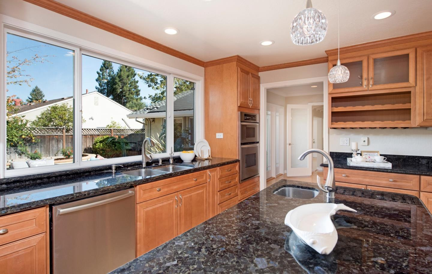 695 Berry Avenue Los Altos, CA 94024 - MLS #: ML81729786
