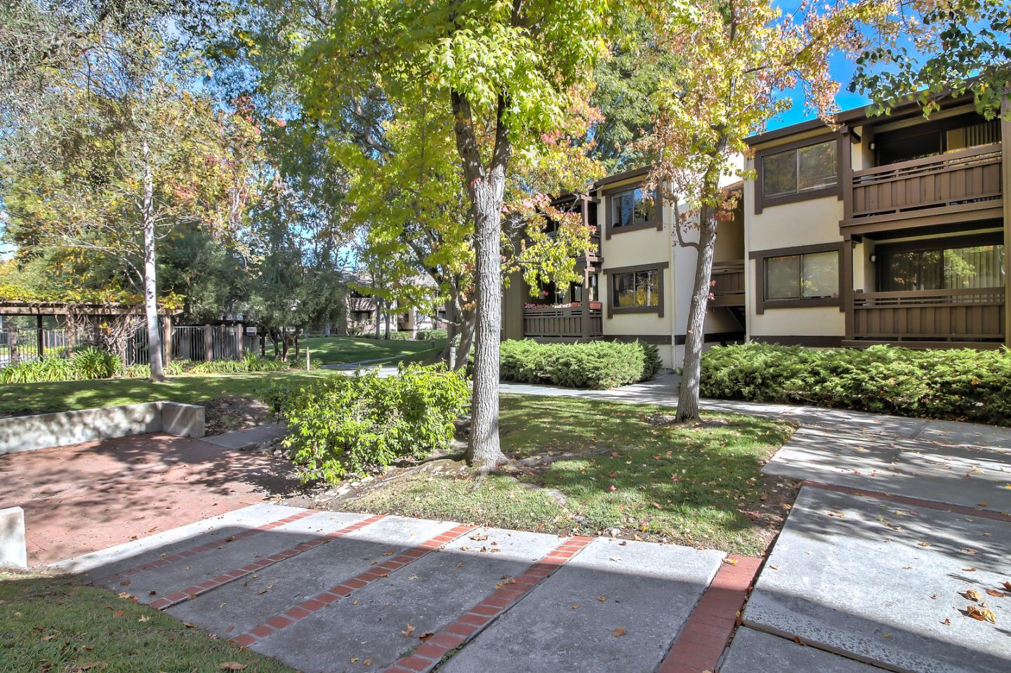 Detail Gallery Image 1 of 1 For 765 San Antonio Rd #37, Palo Alto, CA, 94303 - 2 Beds | 2 Baths