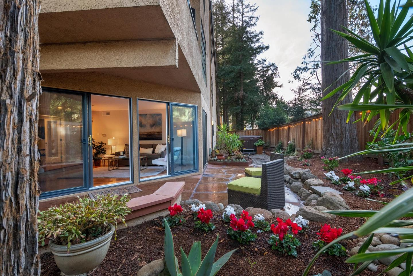 Detail Gallery Image 1 of 1 For 35 9th Ave #4, San Mateo, CA 94401 - 3 Beds | 2 Baths
