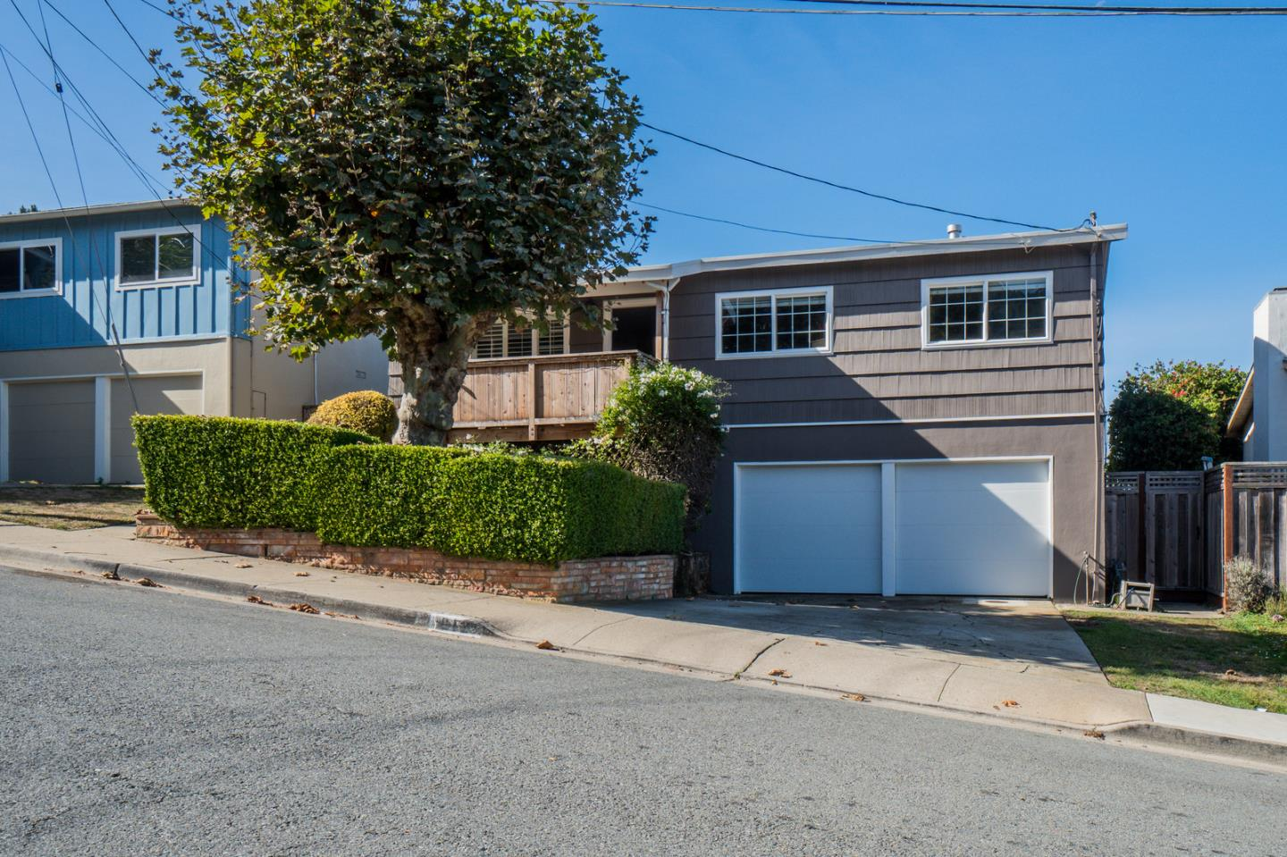 Detail Gallery Image 1 of 1 For 812 Burns Ct, Pacifica,  CA 94044 - 3 Beds   2 Baths