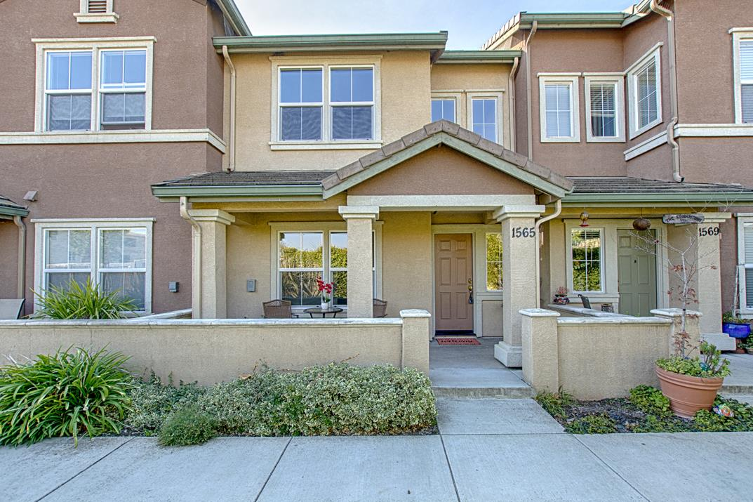 Detail Gallery Image 1 of 1 For 1565 El Monte Ct, Watsonville, CA, 95076 - 2 Beds | 2 Baths
