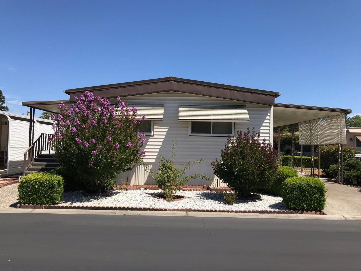 Detail Gallery Image 1 of 1 For 13 Spring Ln #13, Morgan Hill, CA 95037 - 2 Beds | 2 Baths