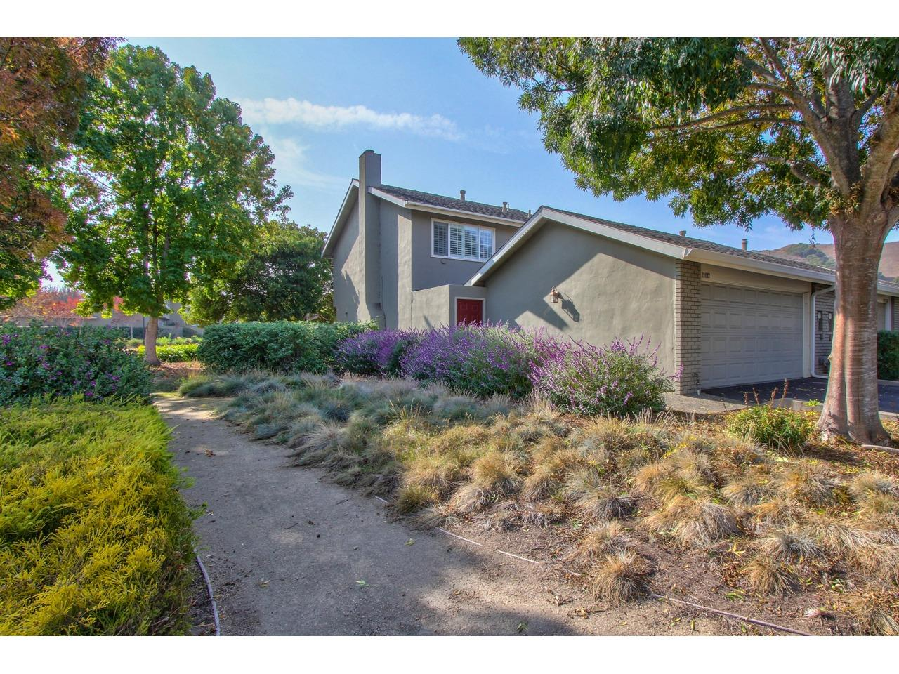 Detail Gallery Image 1 of 1 For 19122 Creekside Pl, Salinas,  CA 93908 - 3 Beds | 2/1 Baths