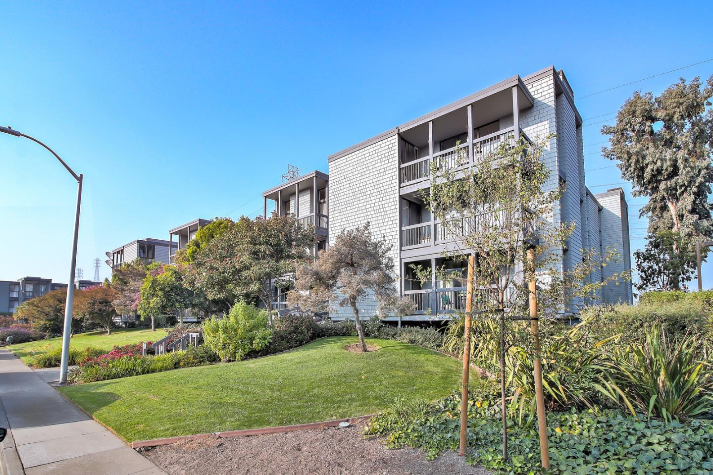 Detail Gallery Image 1 of 1 For 615 Port Dr #101,  San Mateo,  CA 94404 - 2 Beds   2 Baths