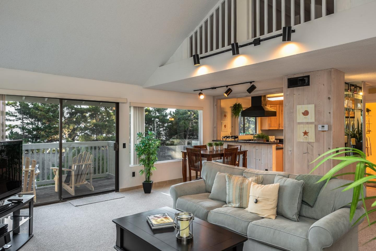 Detail Gallery Image 1 of 1 For 70 Forest Ridge Rd #6, Monterey, CA 93940 - 2 Beds | 2/1 Baths