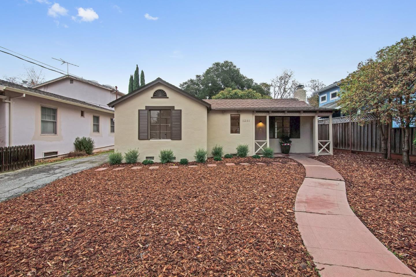 Detail Gallery Image 1 of 1 For 1251 College Ave, Palo Alto, CA, 94306 - 2 Beds | 1 Baths