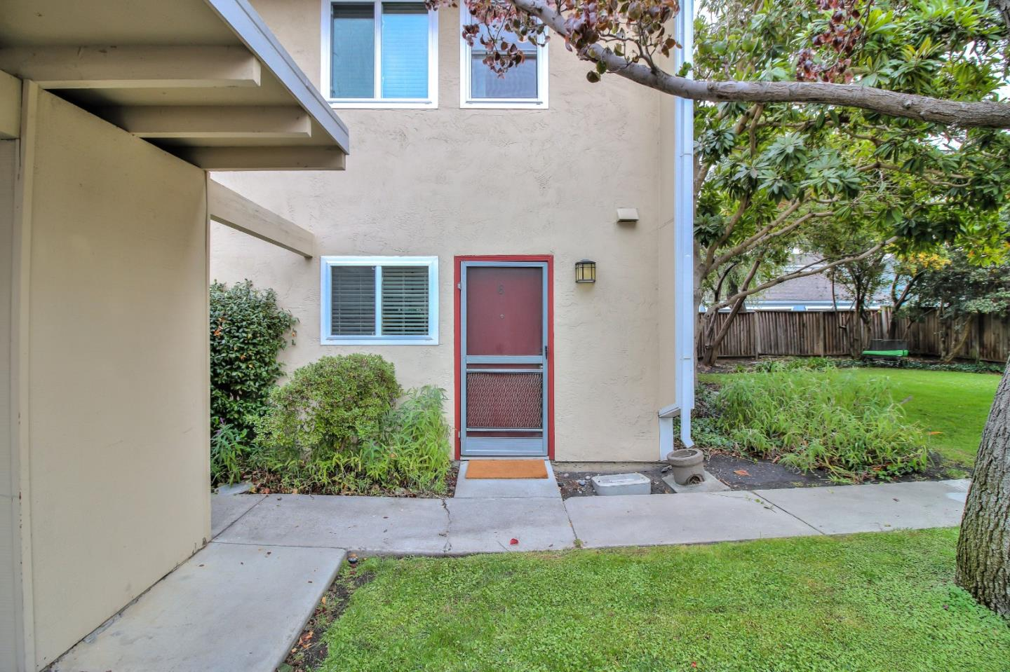 Detail Gallery Image 1 of 1 For 1921 Rock St #6, Mountain View, CA, 94043 - 2 Beds | 1/1 Baths