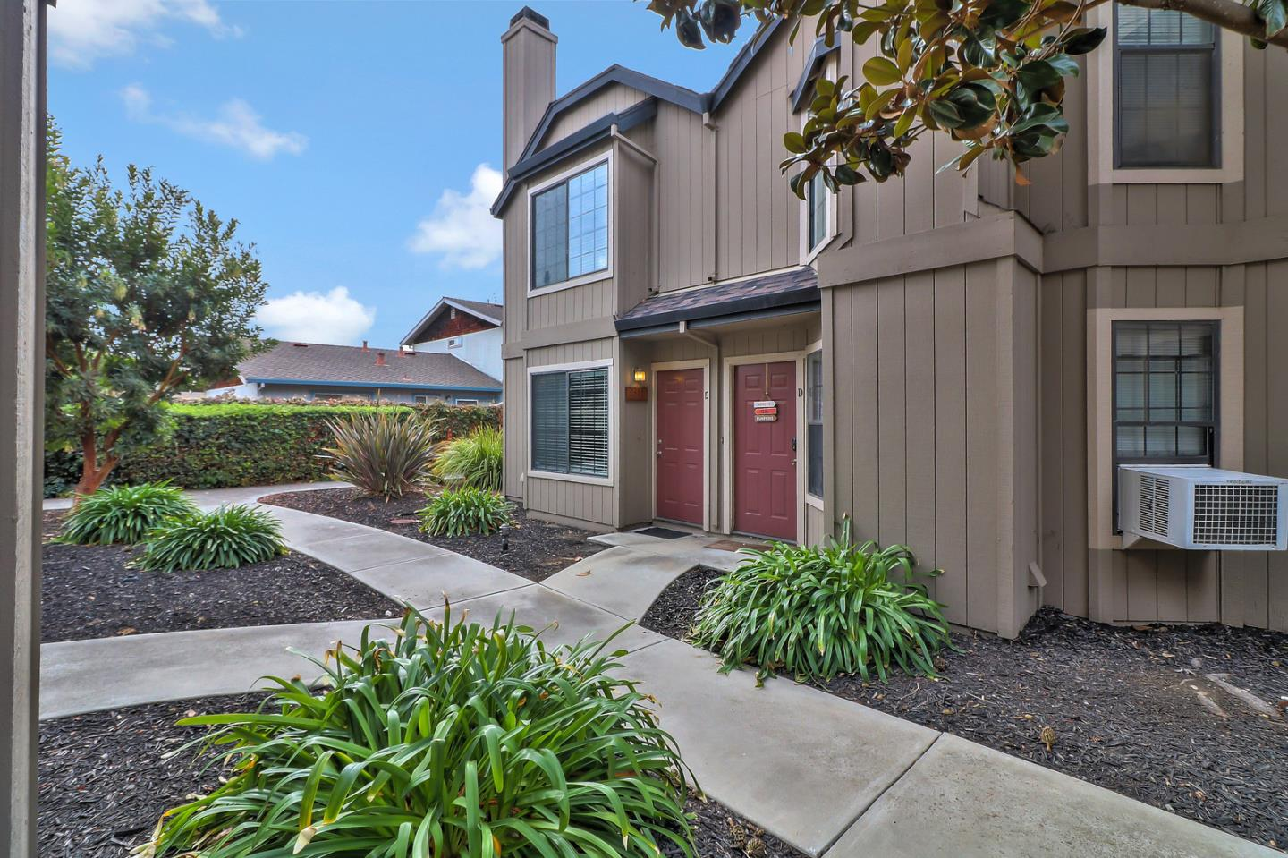 Detail Gallery Image 1 of 1 For 231 Gibson Dr E, Hollister, CA, 95023 - 2 Beds | 1/1 Baths