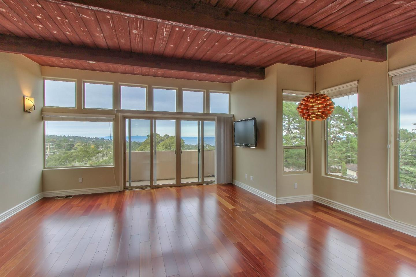 Detail Gallery Image 1 of 1 For 152 Mar Vista Dr, Monterey, CA 93940 - 2 Beds | 1/1 Baths