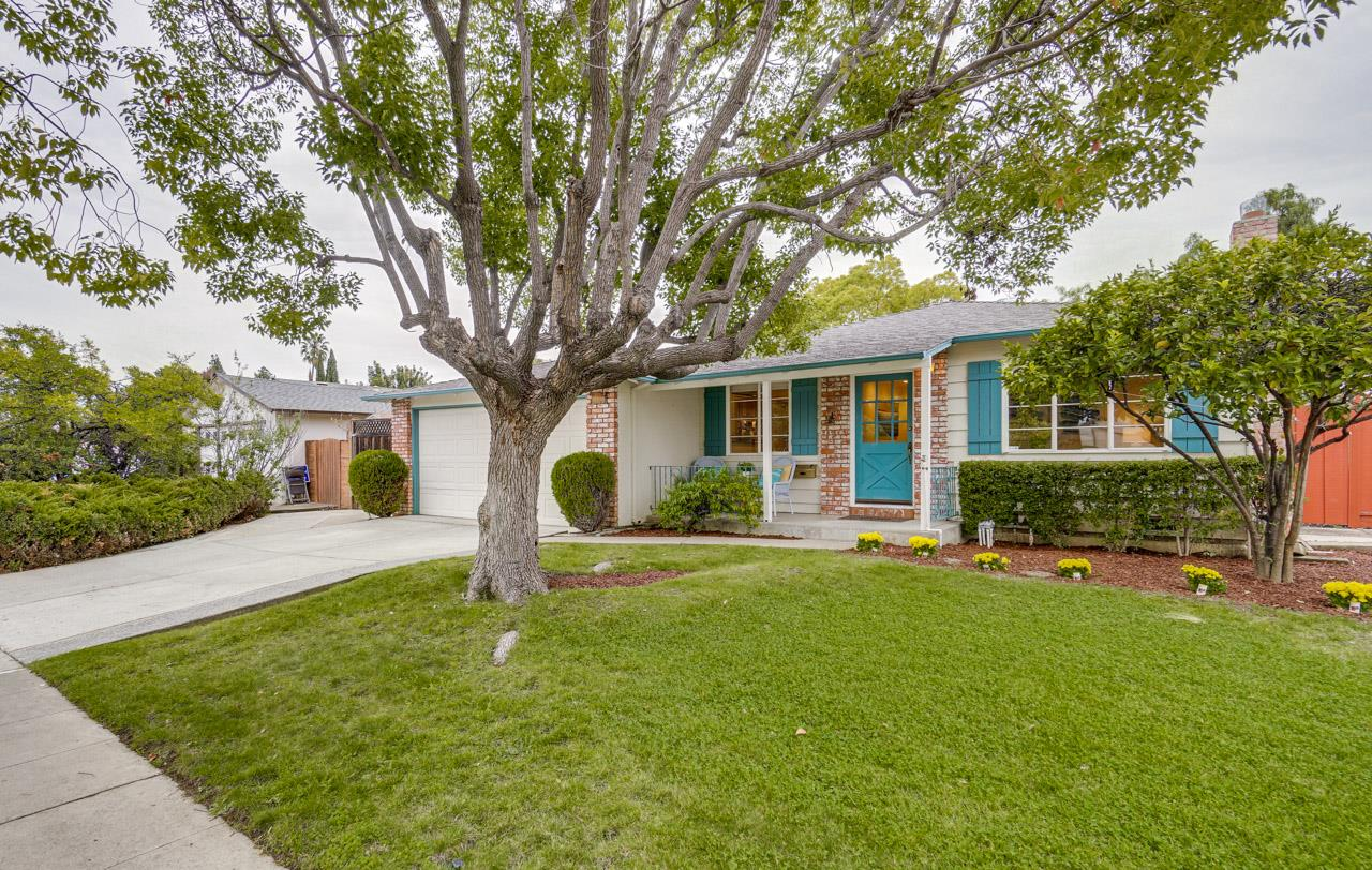 Detail Gallery Image 1 of 1 For 1180 Crestline Dr, Cupertino, CA, 95014 - 3 Beds | 2 Baths
