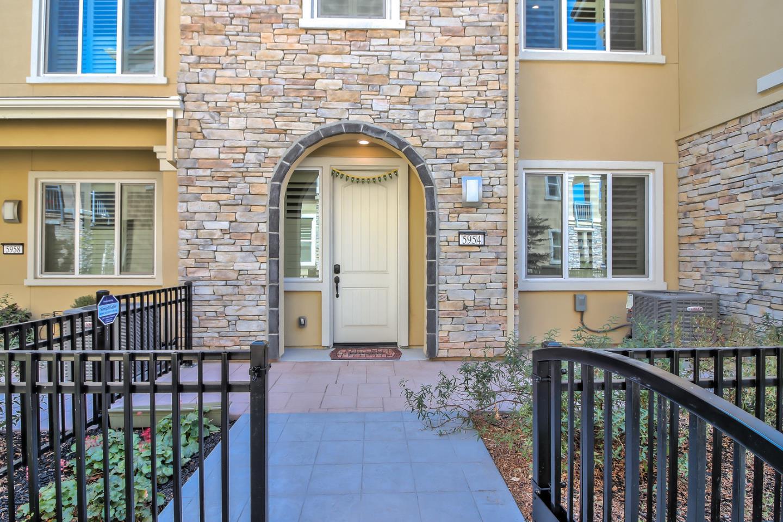 5954 Larkstone Loop, San Jose, CA 95123