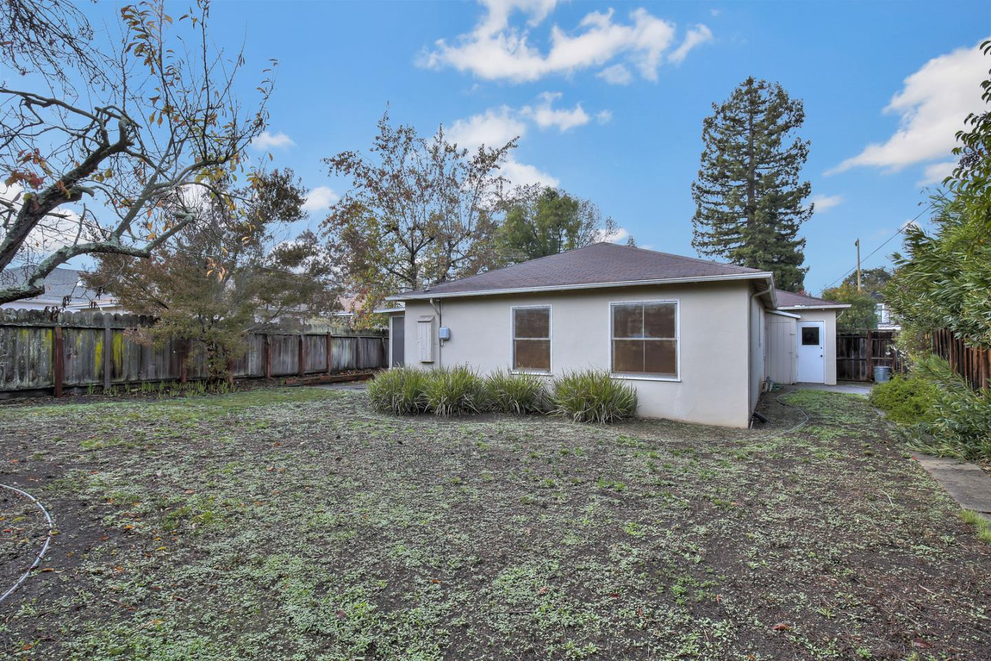 2641 Carolina Avenue Redwood City, CA 94061 - MLS #: ML81732905