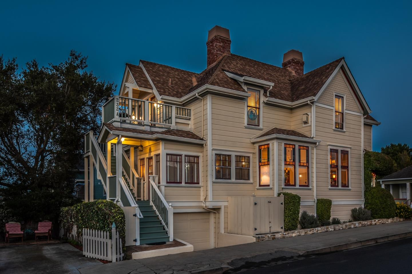 Detail Gallery Image 1 of 32 For 232 17th St, Pacific Grove, CA, 93950 - 4 Beds | 2/1 Baths