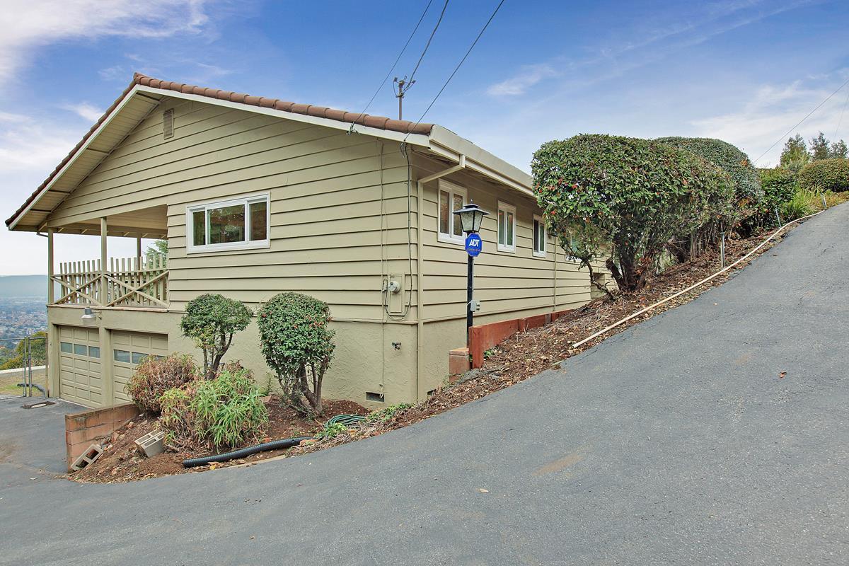 15775 E Alta Vista Way, San Jose, CA 95127