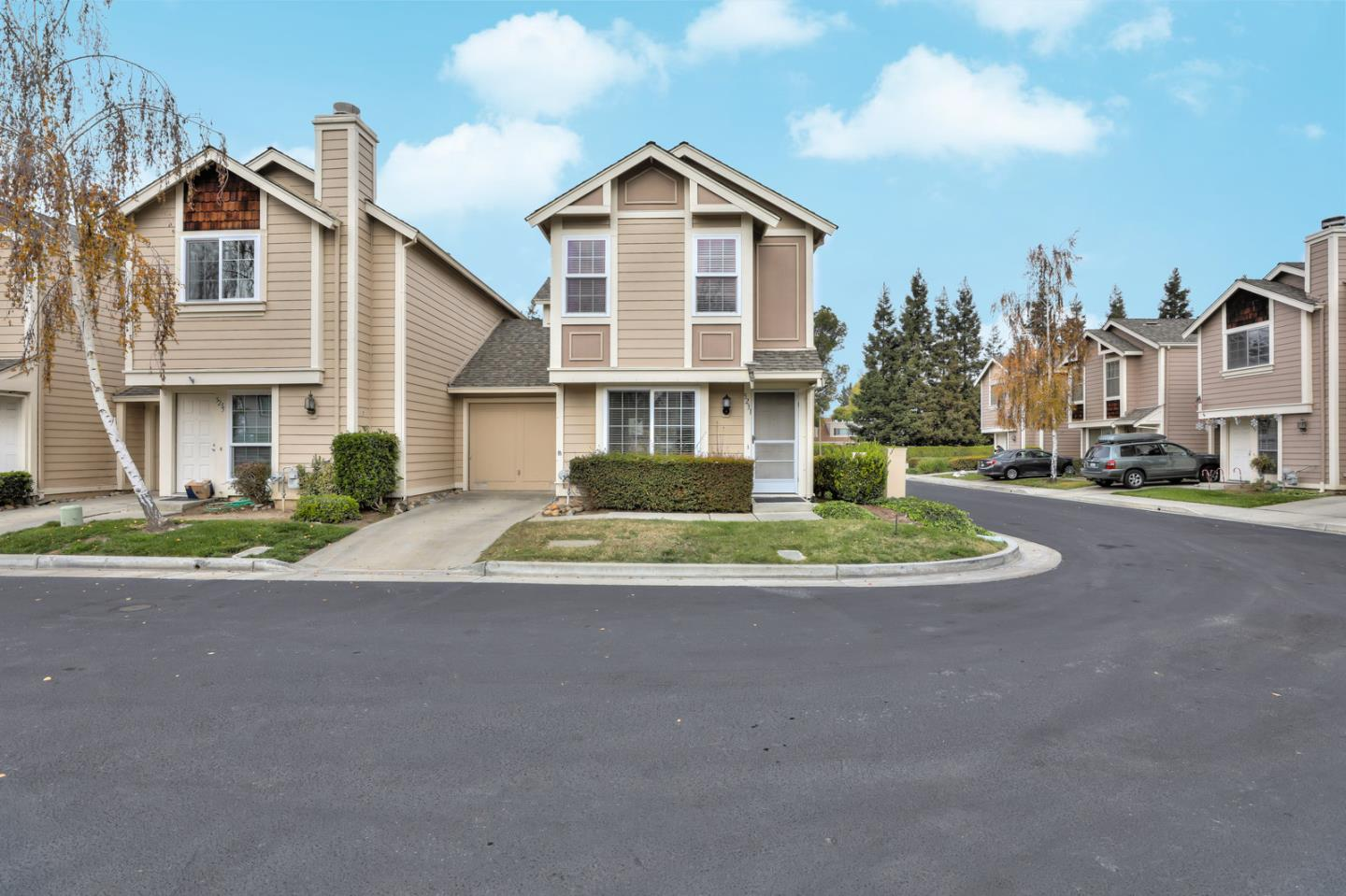 Detail Gallery Image 1 of 1 For 5231 Macaw Ct, San Jose,  CA 95123 - 2 Beds   2/1 Baths