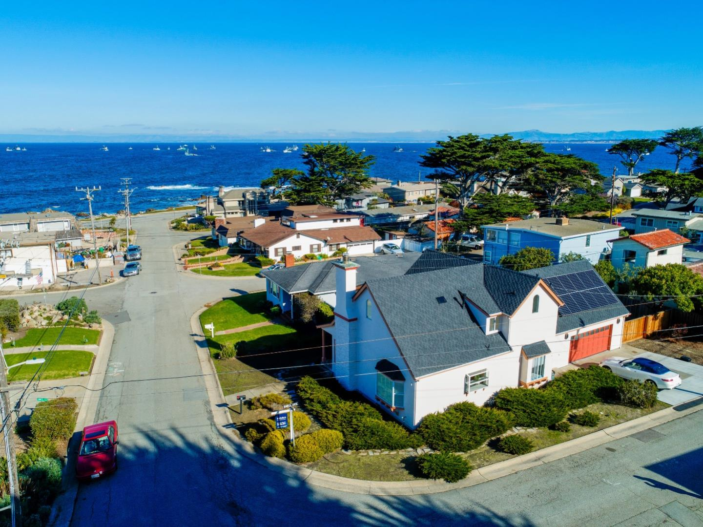 Detail Gallery Image 1 of 1 For 39 Coral St, Pacific Grove, CA 93950 - 3 Beds | 2 Baths