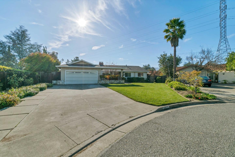 Photo of home for sale at 12877 Glen Brae Drive, Saratoga CA
