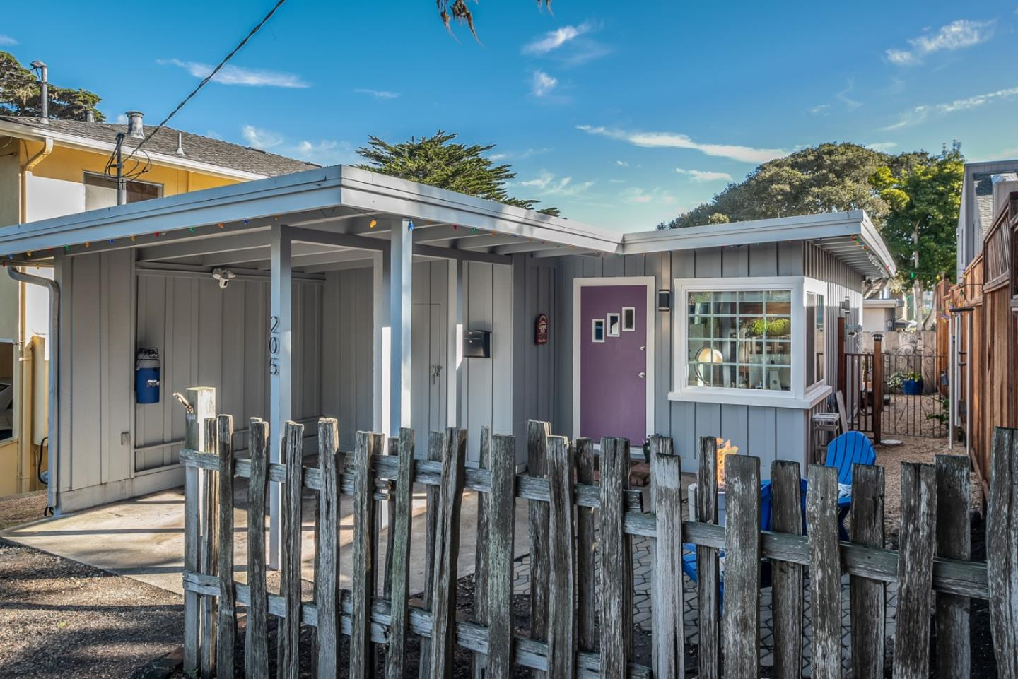 Detail Gallery Image 1 of 21 For 205 Walnut St, Pacific Grove, CA, 93950 - 1 Beds | 1 Baths