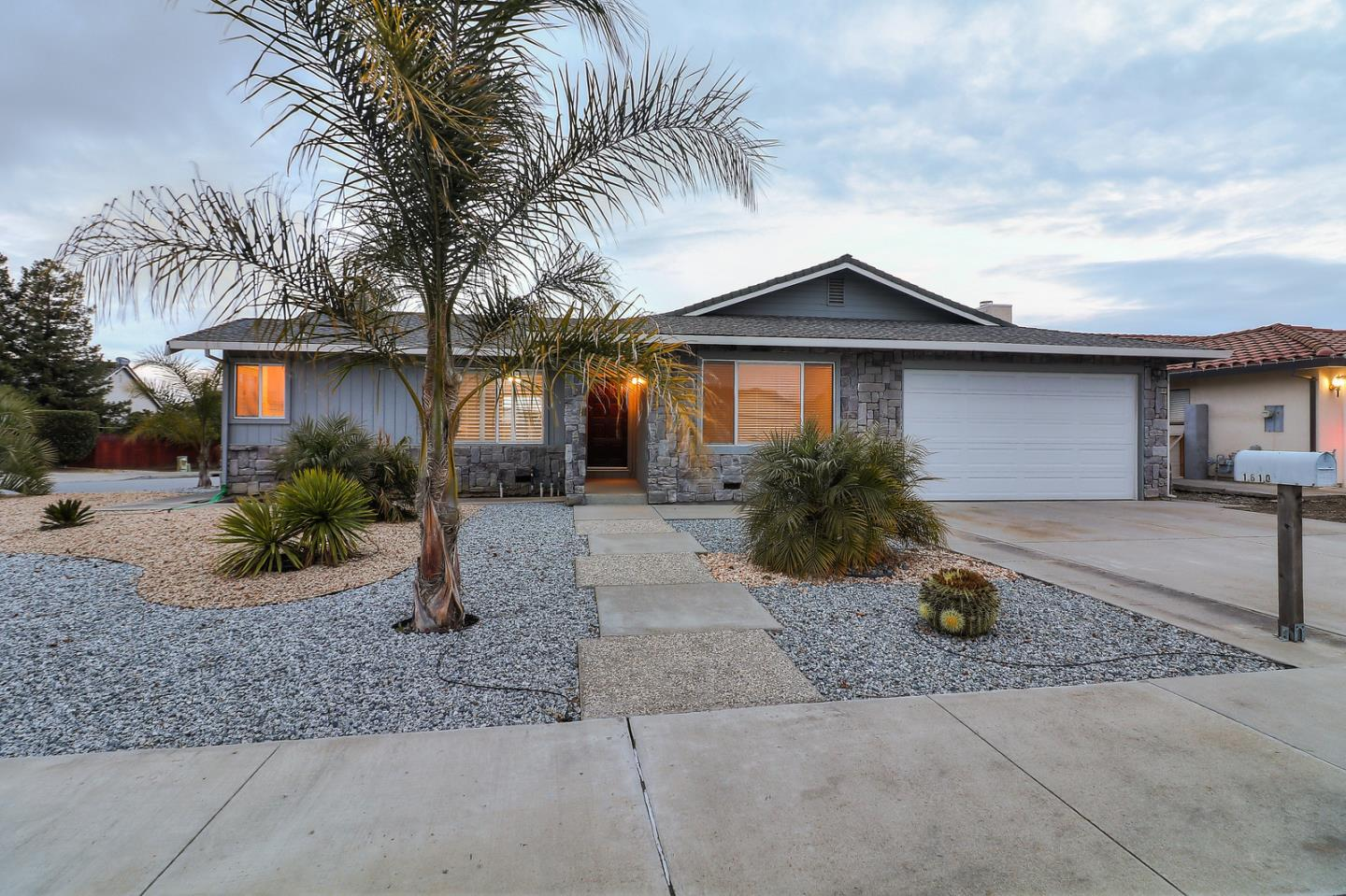 Detail Gallery Image 1 of 1 For 1610 Bodega Ct, Hollister, CA, 95023 - 3 Beds | 2 Baths