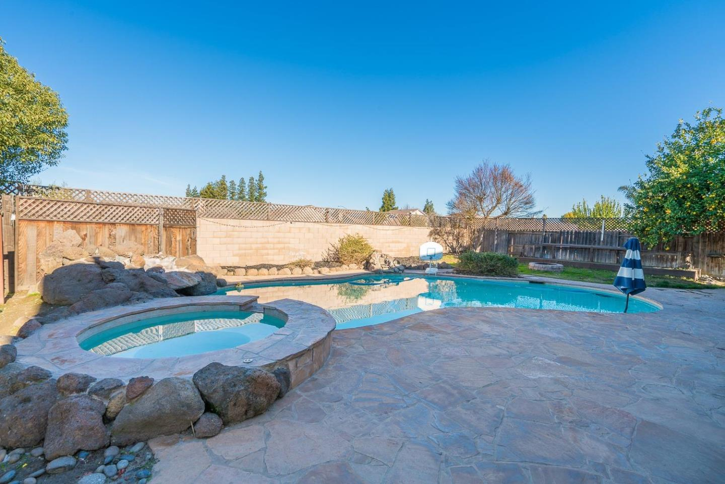Detail Gallery Image 1 of 1 For 5405 Pountsmonth Dr, Salida, CA 95368 - 3 Beds | 2/1 Baths