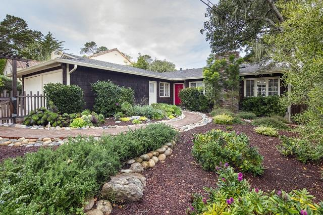 Detail Gallery Image 1 of 1 For 814 Martin St, Monterey, CA, 93940 - 3 Beds | 2 Baths