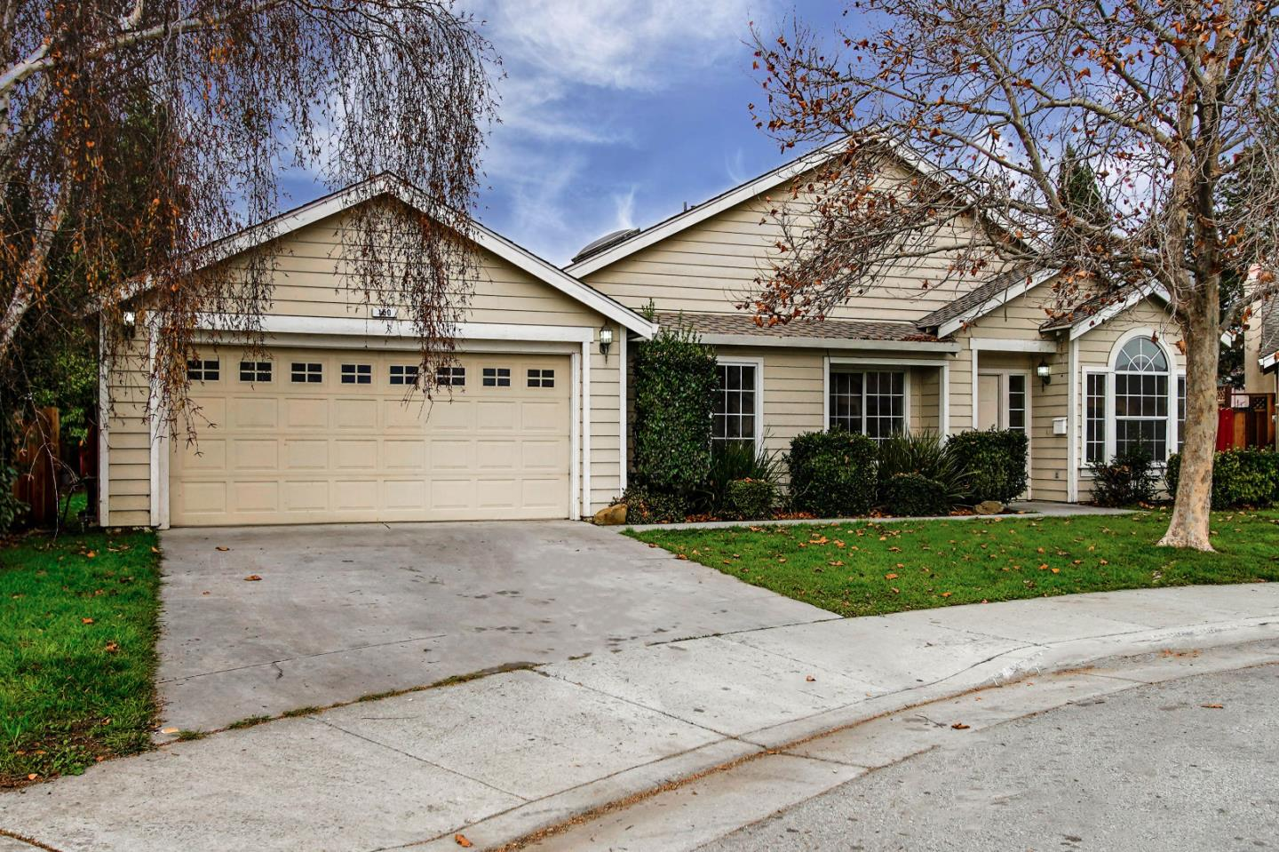 Detail Gallery Image 1 of 1 For 150 Amber Ct, Hollister, CA, 95023 - 3 Beds | 2 Baths