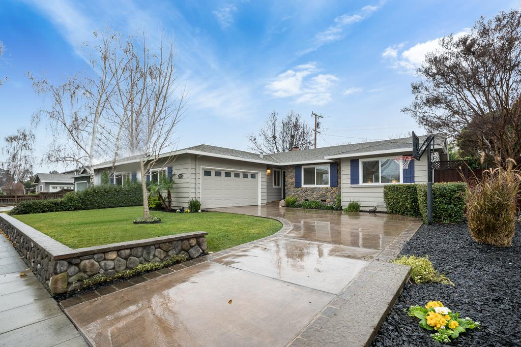 Detail Gallery Image 1 of 1 For 2707 Dumbarton Ave, San Jose, CA 95124 - 3 Beds   2 Baths