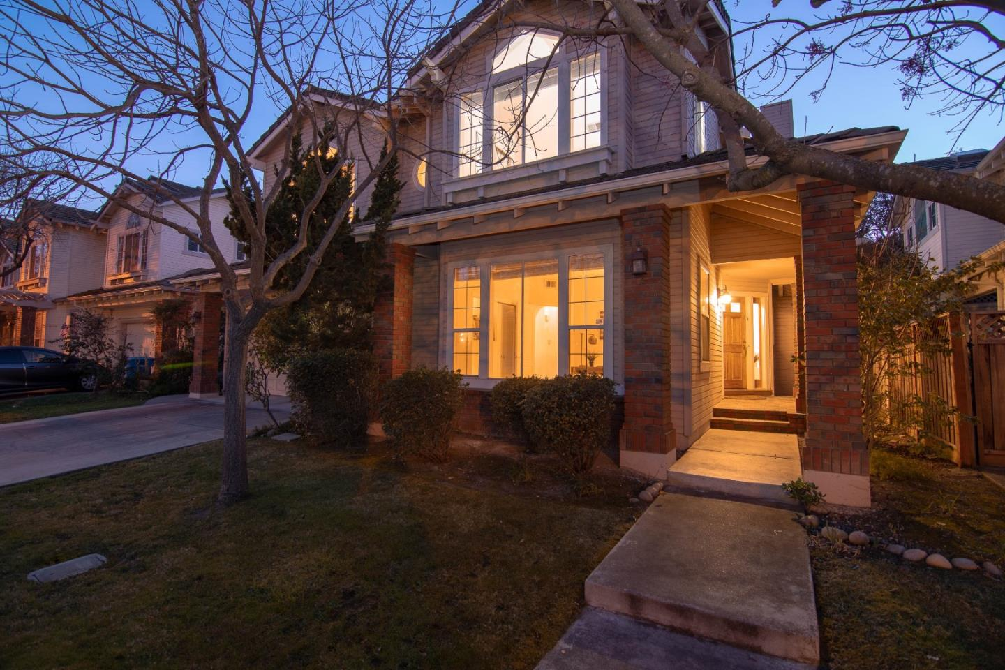 Detail Gallery Image 1 of 1 For 10820 Ashbourne Ct, Cupertino, CA, 95014 - 5 Beds   3 Baths