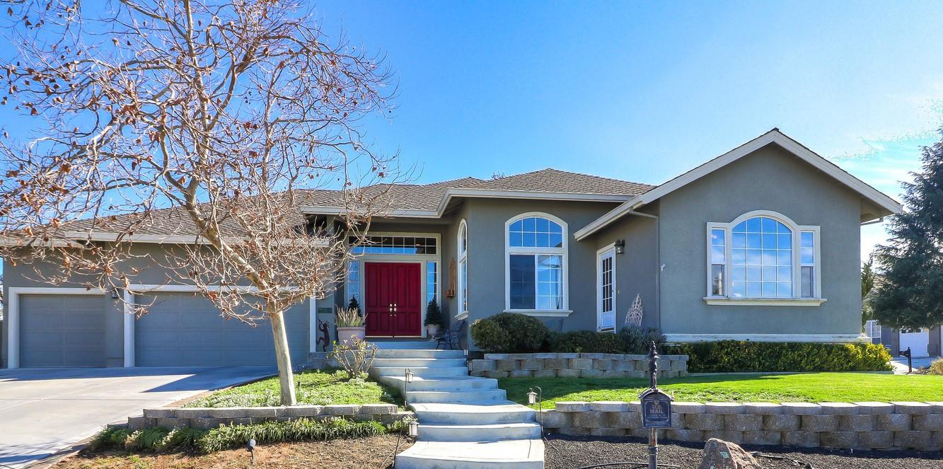 Detail Gallery Image 1 of 52 For 92 Rob Ct, Hollister, CA, 95023 - 4 Beds | 3/1 Baths