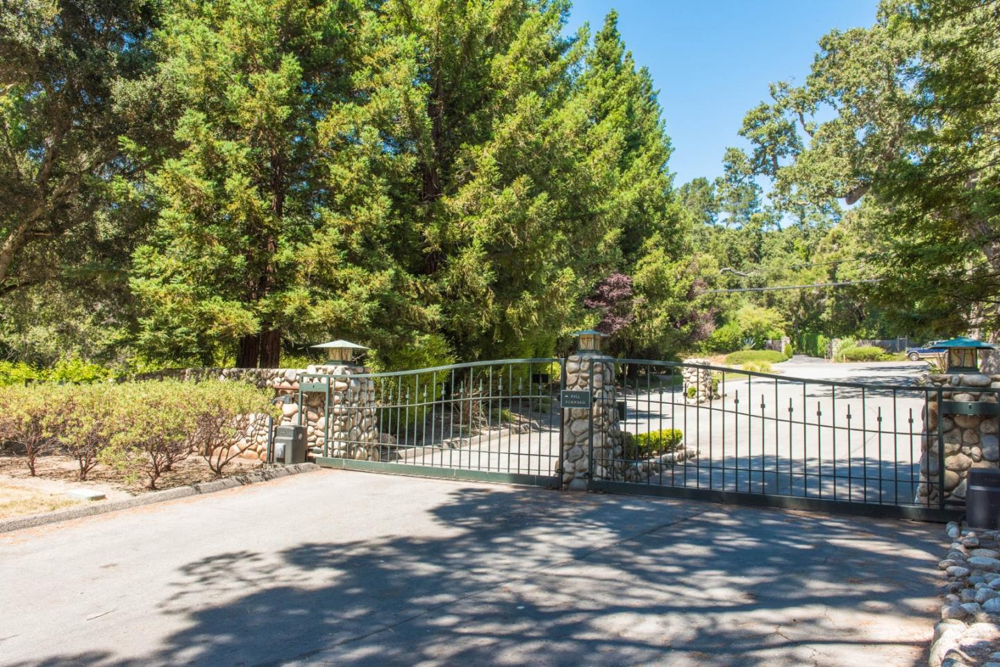 Detail Gallery Image 1 of 20 For 16 Sleepy Hollow Dr, Carmel Valley,  CA 93924 - – Beds | – Baths