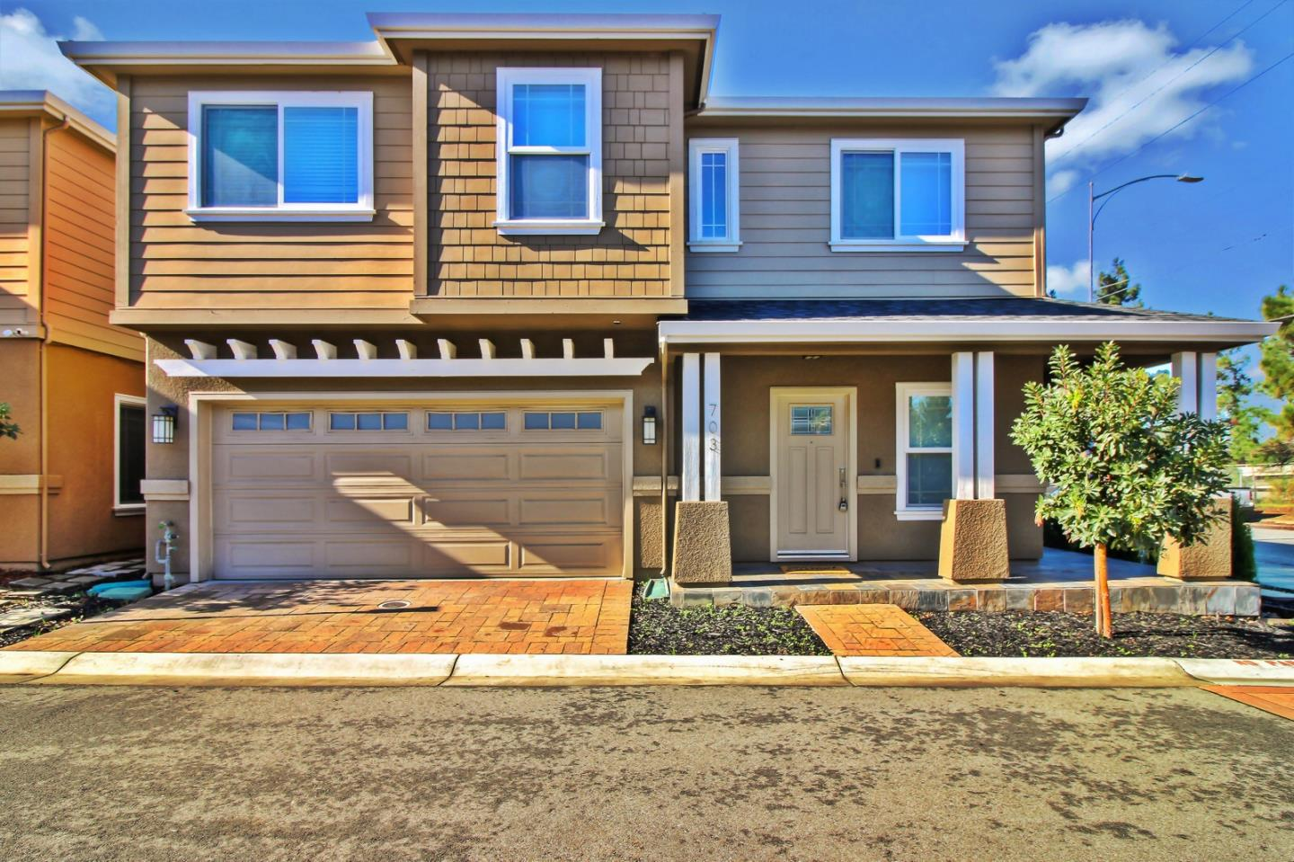 Detail Gallery Image 1 of 1 For 703 Paula Ter, San Jose, CA 95126 - 3 Beds | 2/1 Baths