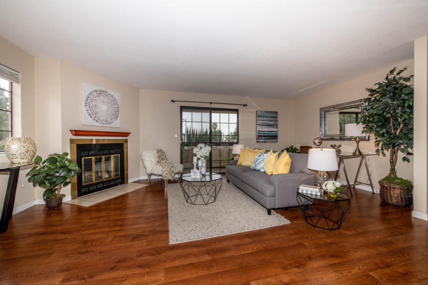 Detail Gallery Image 1 of 1 For 880 N Winchester Blvd #207, Santa Clara, CA 95050 - 2 Beds | 2 Baths