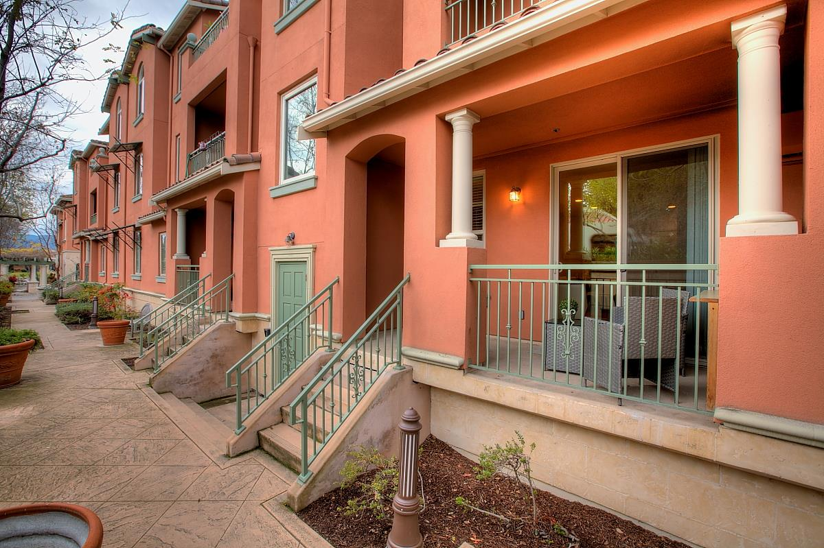 Detail Gallery Image 1 of 1 For 19999 Stevens Creek Blvd #111, Cupertino, CA, 95014 - 2 Beds | 2 Baths