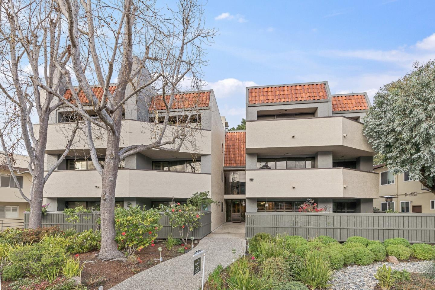 Detail Gallery Image 1 of 1 For 616 Ansel Rd #5,  Burlingame,  CA 94010 - 2 Beds   2 Baths