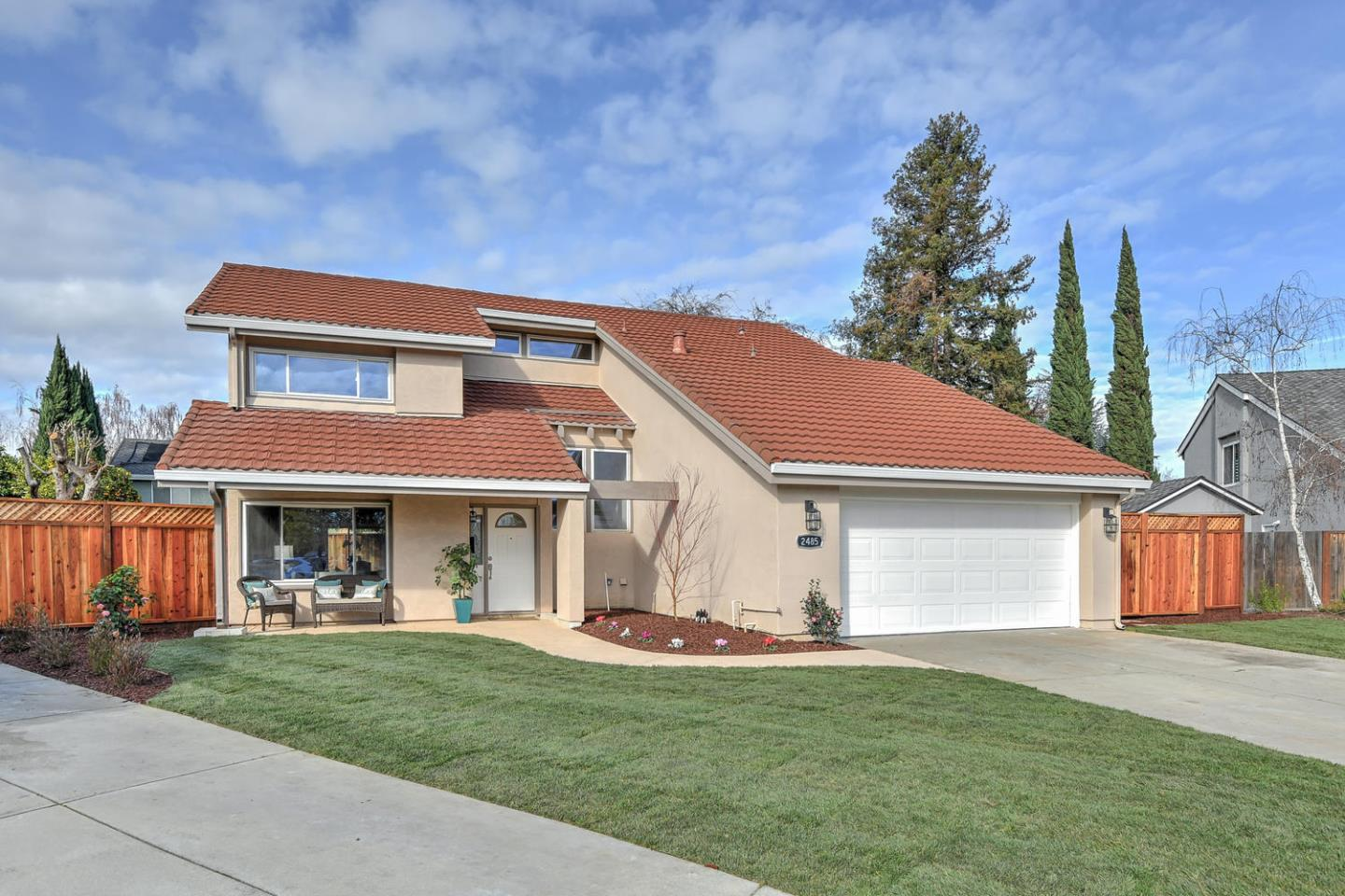 Detail Gallery Image 1 of 1 For 2485 Bachmann Ct, San Jose, CA 95124 - 4 Beds | 2/1 Baths
