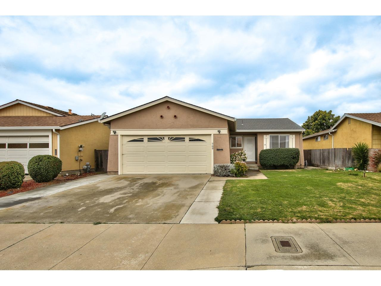 Detail Gallery Image 1 of 1 For 769 Delta Way, Watsonville, CA 95076 - 2 Beds | 2 Baths