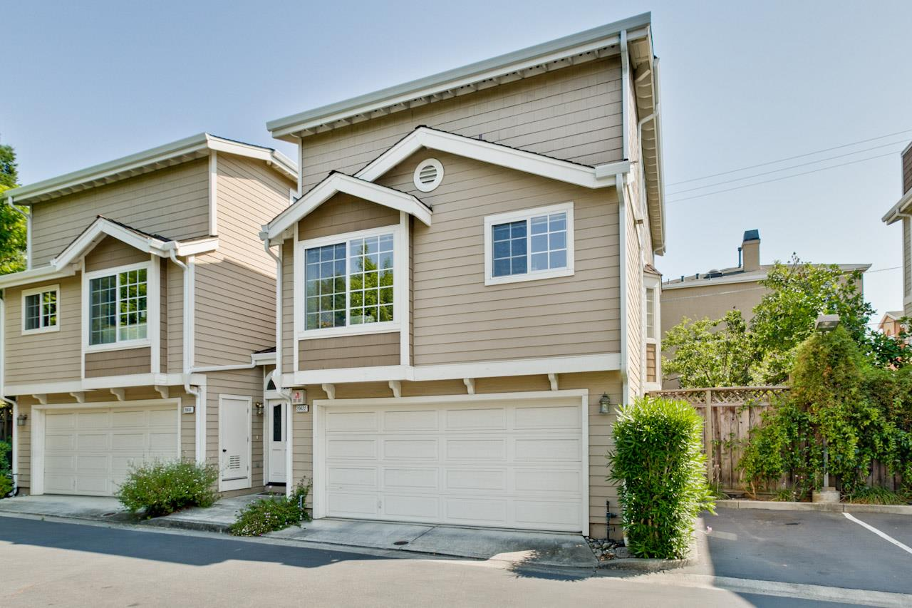 Detail Gallery Image 1 of 1 For 20622 Gardenside Cir, Cupertino, CA, 95014 - 3 Beds | 2/1 Baths