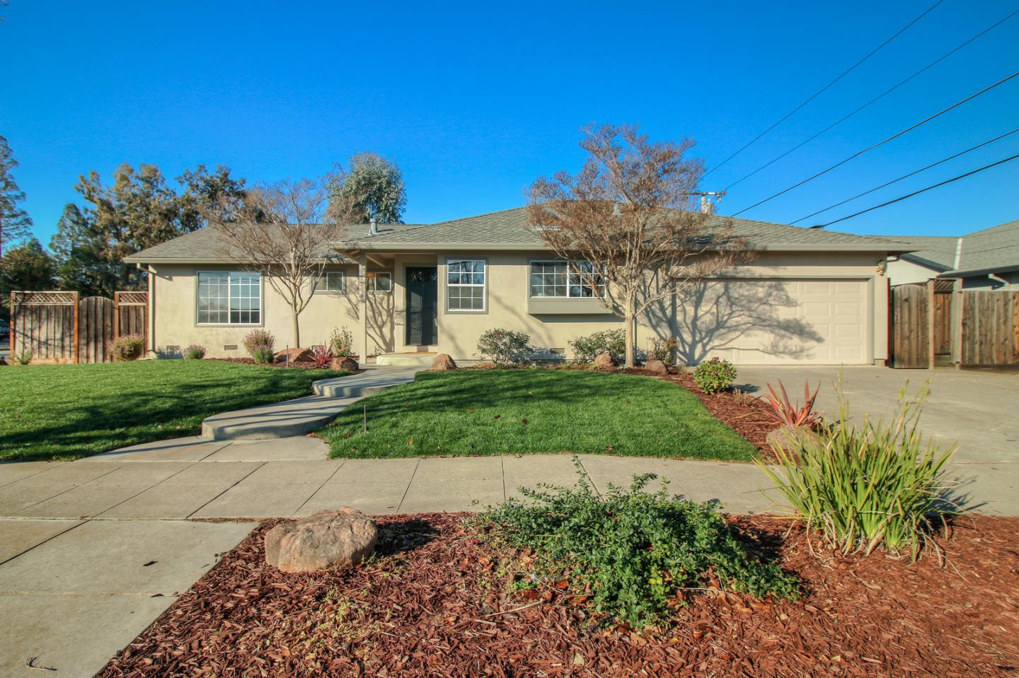 Detail Gallery Image 1 of 1 For 3943 Twilight Dr, San Jose,  CA 95124 - 3 Beds | 2 Baths