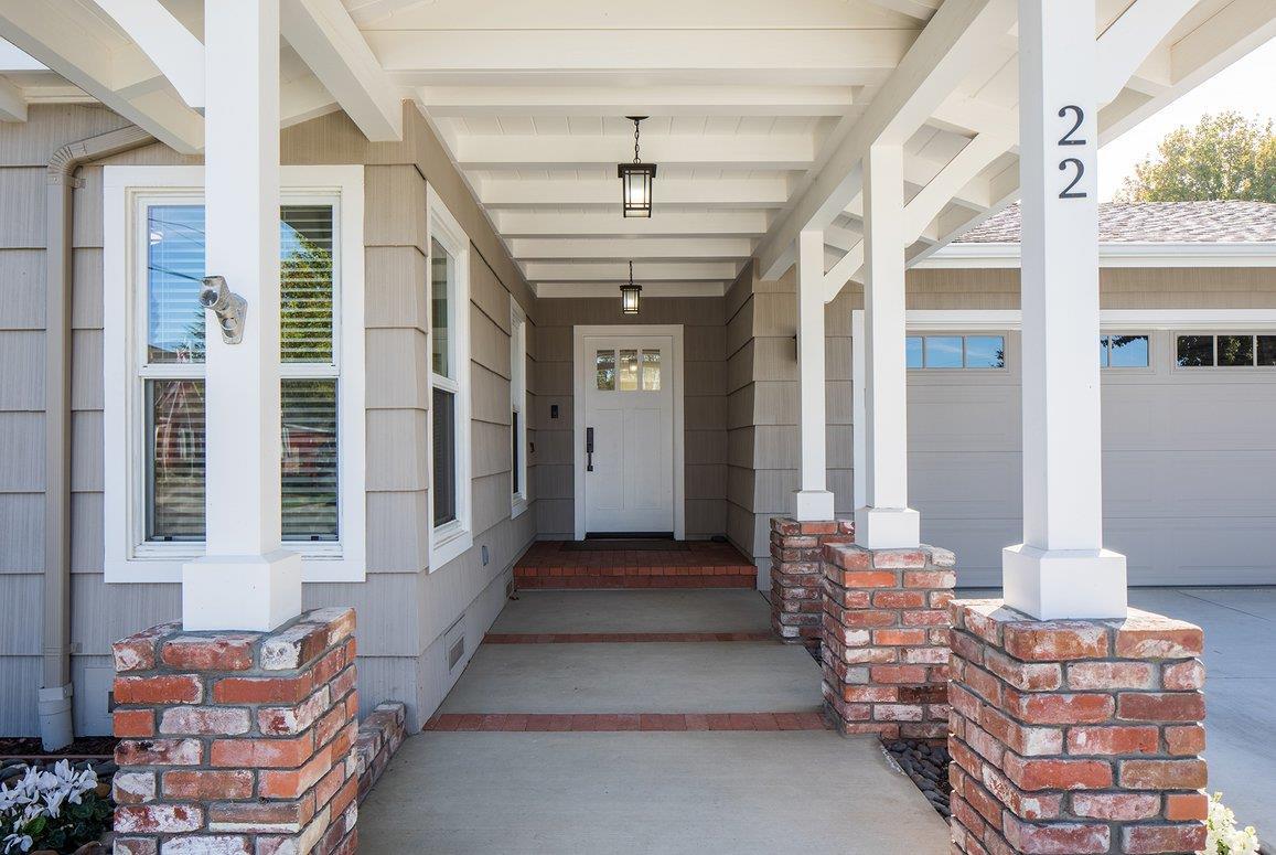 Detail Gallery Image 1 of 30 For 22 Santa Ana Dr, Salinas, CA, 93901 - 4 Beds | 4/1 Baths