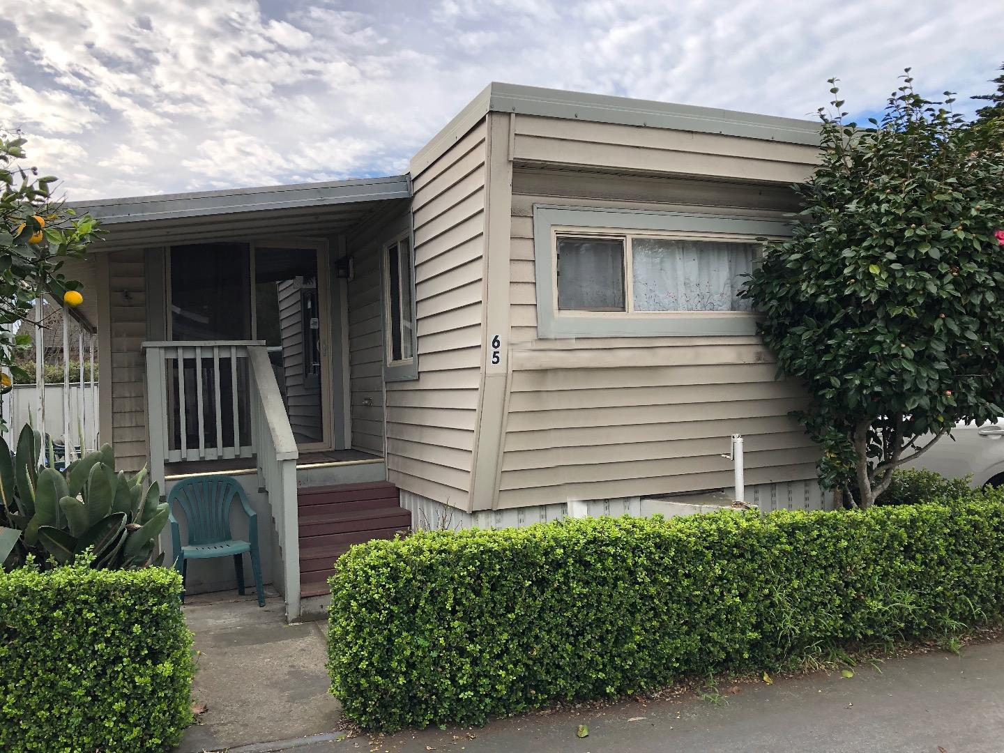Detail Gallery Image 1 of 14 For 920 Capitola Ave #65, Capitola, CA, 95010 - 2 Beds | 1 Baths