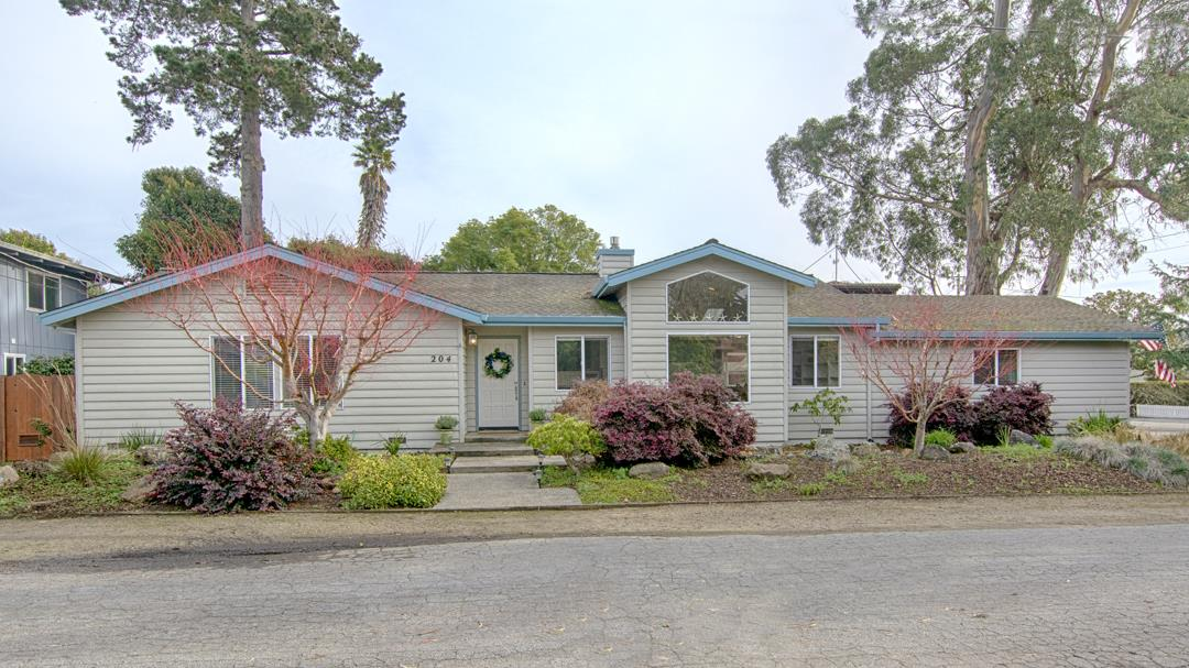 Detail Gallery Image 1 of 1 For 204 Toledo Dr, Aptos, CA, 95003 - 3 Beds | 2 Baths