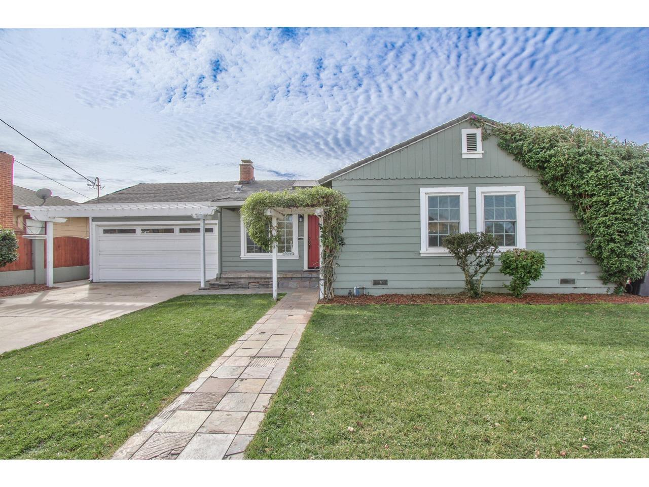Detail Gallery Image 1 of 1 For 1114 Kimmel St, Salinas,  CA 93905 - 2 Beds   1 Baths
