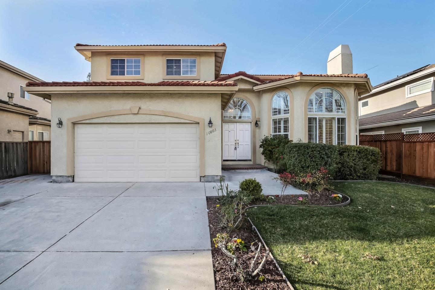 Detail Gallery Image 1 of 1 For 10803 Minette Dr, Cupertino, CA, 95014 - 5 Beds | 3/1 Baths