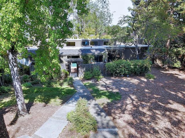 11 FARM RD, LOS ALTOS, CA 94024