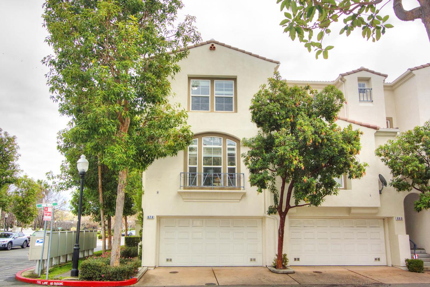 Detail Gallery Image 1 of 1 For 874 Fire Walk, Milpitas, CA 95035 - 2 Beds | 2/1 Baths