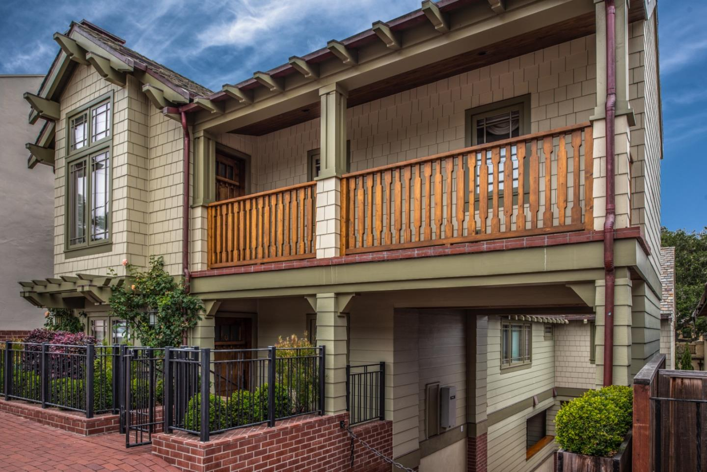 Detail Gallery Image 1 of 23 For 0 San Carlos 3se 7th, Carmel, CA 93921 - 3 Beds   3 Baths