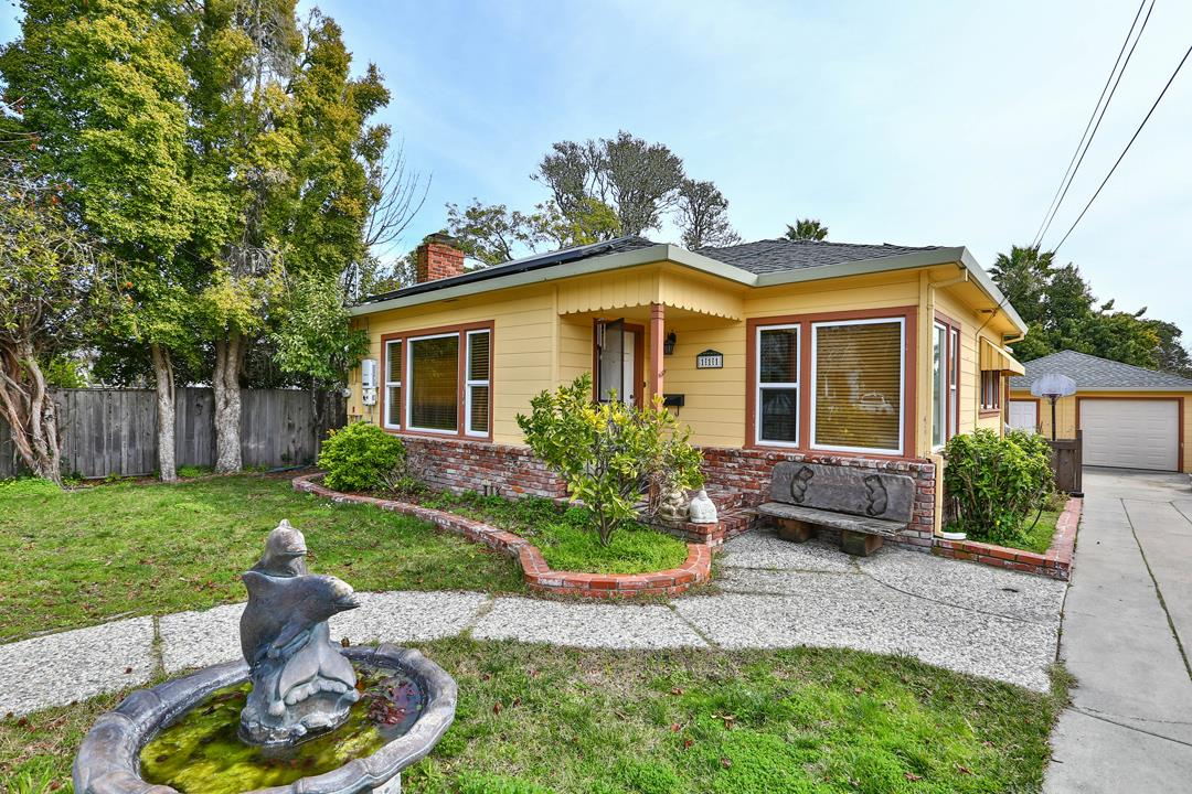This charming home is nestled into a beautiful and quiet neighborhood on the West Side of Santa Cruz. It boasts 4 bedrooms and 2 baths on a 6,926 SqFt lot. Excellent location near HWY1, HWY17, UC Santa Cruz, Wilder Ranch, West Cliff, and Downtown. Fulfill your dreams with this prime location and make this home your own!