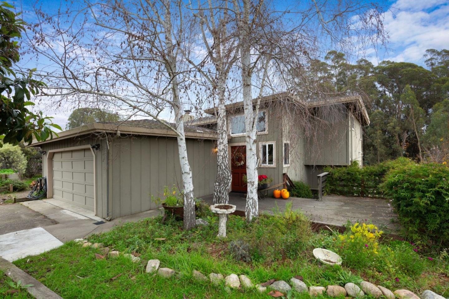 Detail Gallery Image 1 of 40 For 222 Manfre Rd, Watsonville, CA, 95076 - 3 Beds | 2/1 Baths