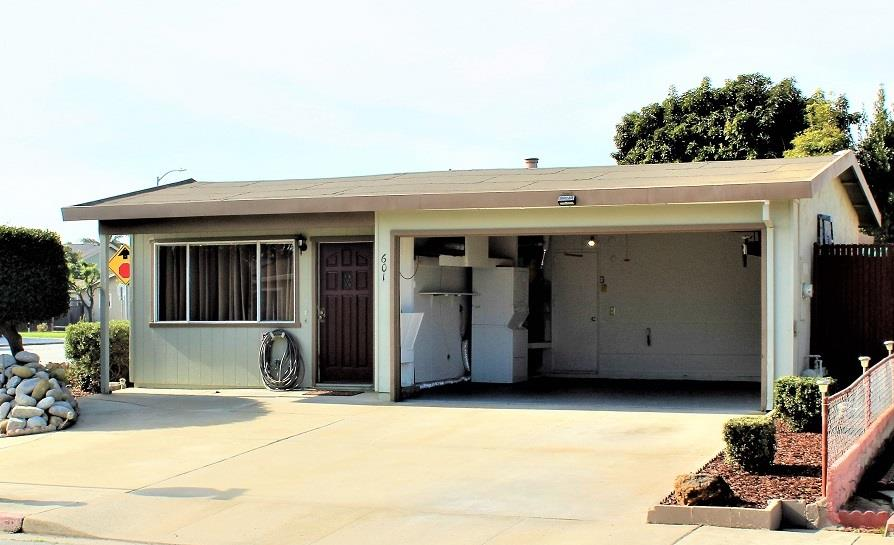 Detail Gallery Image 1 of 18 For 601 Cedar Dr, Watsonville, CA, 95076 - 3 Beds | 1/1 Baths
