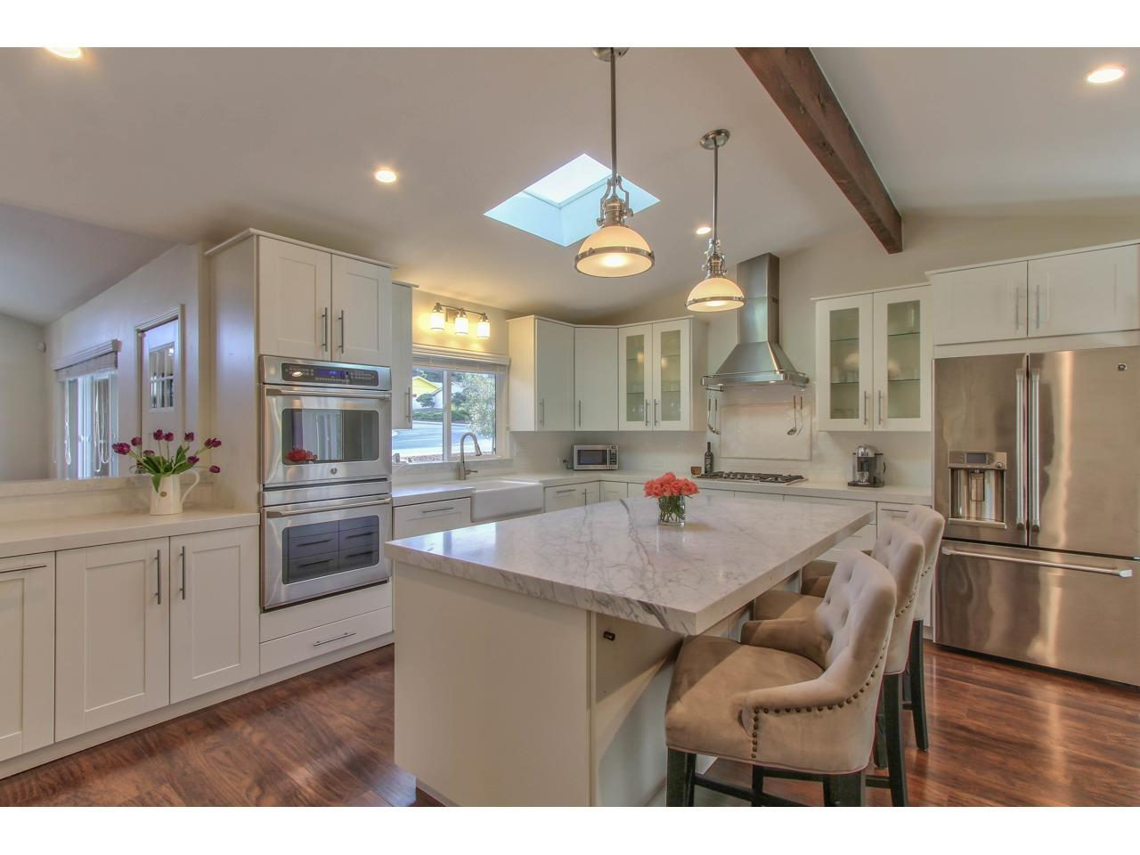 Detail Gallery Image 1 of 1 For 2101 Messina Pl, Monterey, CA, 93940 - 3 Beds | 2 Baths
